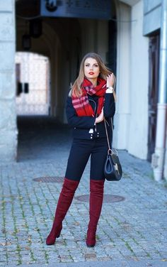 The knee high boots are considered to one of the best fashion statements. There are certain ways in which these knee high boots can be worn in a very fashionab… Over The Knee Boot Outfit, Knee High Boots, Over The Knee Boots, Winter Sweater Outfits, Winter Outfits, Burgundy Boots, Outfits Mujer, Casual Skirt Outfits, Fashion Outfits