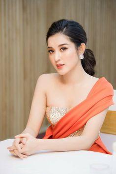 Beauty Full Girl, Beauty Women, Beautiful Girl Image, Gorgeous Women, Cute Girl Pic, Cool Girl, Sexy Asian Girls, Beautiful Asian Girls, Korean Girl Fashion