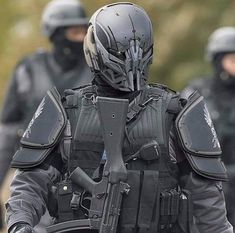 I'm currently trying to find out wtf this unit is. Any ideas? Futuristic Helmet, Futuristic Armour, Military Armor, Military Gear, Military Soldier, Military Life, Robot Concept Art, Armor Concept, Armadura Cosplay