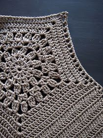 MY COPY 365 … My variation. From the Flower Mandala to the Pentagon, from the Pentagon … I crocheted first (back and forth) to …. Crochet Halter Tops, Crochet Crop Top, Crochet Blouse, Crochet Bikini, Crochet Wool, Crochet Motif, Crochet Stitches, Diy Christmas Gifts For Friends, Knitting Patterns