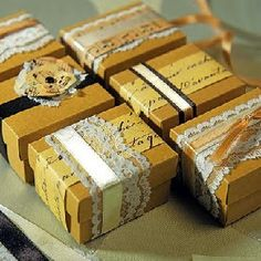 Edible Wedding Favors: place treats in vintage packaging