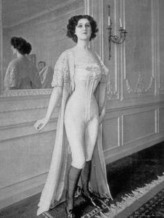 vintage boudoir 1907