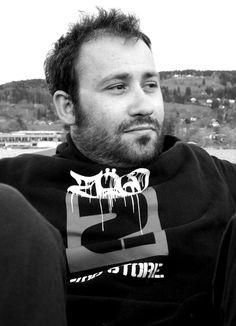 deskastoria.gr: Ο Καστοριανός φωτορεπόρτερ Δημήτρης Χαντζάρας  που...