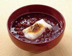 お汁粉 おしるこ・ Japanese Dessert red bean with sticky rice cake or chestnut
