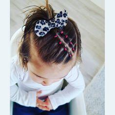 Selena and Sofía's Hairstyles Girls Hairdos, Cute Little Girl Hairstyles, Baby Girl Hairstyles, Short Hairstyles, Toddler Hair Dos, Easy Toddler Hairstyles, Cute Hairstyles For Toddlers, Selena, Leila