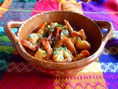 Cazuela de Camarones. Una riquisima cazuela de camarones en chiles ancho y morita.  Sabores tradicionales en otra original exclusivamente para la familia de Jauja Cocina Mexicana.  Buen provecho!  Mil gracias por suscribirse https://www.youtube.com/user/JaujaCocinaMexicana