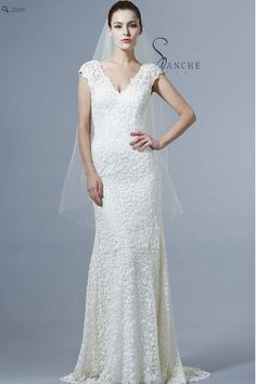 Saison Blanche Wedding Gown - Boutique Collection - Style #B3144