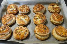Pogăci cu jumări - rețeta ardelenească de pogăcele fragede   Savori Urbane Feta, Muffin, Urban, Breakfast, Sweet, Yum Yum, Morning Coffee, Candy, Muffins