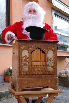 Hohoho ... der Weihnachtsmann im Waldgasthof Buchenhain - Ein Treffen mit dem Weihnachtsmann im Restaurant in München Süd. Im Waldgasthof Buchenhain erleben Sie wunderschöne Feste im Advent und unvergessliche Weihnachtsfeiern. Schauen Sie doch mal vorbei und lassen Sie sich verwöhnen.