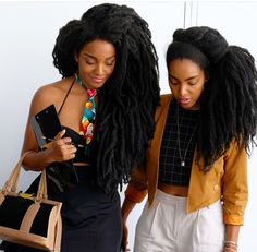 Twins TK Wonder and Cipriana || Photo by @Quistyle || Long afro hair. long kinky hair. long natural hair. super long afro hair. super long hair. longest natural hair ever seen. longest afro hair ever seen. longest type 4 hair. Braid-out. Real natural hair. No extensions, not locs.
