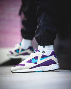 Nike's Air Icarus Extra looking clean in 'Aquamarine. Nike Icarus, Fashion News, Fashion Shoes, Nike Kicks, Best Sneakers, Advertising Campaign, Casual Outfits, Casual Clothes, Hiking Shoes