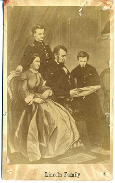 President Abraham Lincoln and his family dated 1865 History Photos, Us History, History Facts, Ancient History, American Presidents, American Civil War, Captain American, Abraham Lincoln Family, Lincoln Life