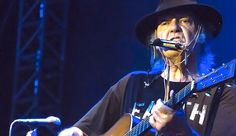 THE BIGGEST WORLD COMMUNITY OF ENTREPRENEURS!!!: Neil Young and Monsanto Reignite War Over GMOs Sin...