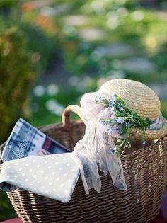 Forget Me Not Blue, Grandmas Garden, Romantic Picnics, Colorful Garden, Summer Garden, Spring Time, Spring Summer, Beautiful Gardens, Delicate