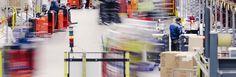 Kauppahalli24:n toiminta on laajentunut ja siirrymme huhtikuun alusta uusiin isompiin tiloihin Tuko Logisticsin yhteyteen. Näin pystymme tarjoamaan entistä laajemman tuotevalikoiman ja tehostettua keräilyä sekä tuotteiden saatavuutta. Tulemme entisestään panostamaan myös pien- ja lähituottajien tuotteisiin.  Huhtikuun alusta alkaen tarkemmasta toimitusajasta kertova tekstiviesti lähetetään jo toimitusta edeltävänä iltana. Näin toimitusaikojen yhteensovittaminen perheen menojen kanssa… Times Square, Travel, Voyage, Viajes, Traveling, Trips, Tourism