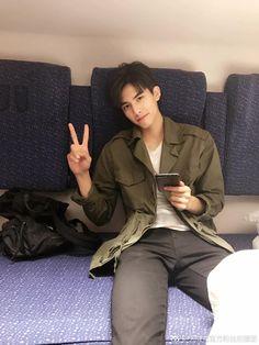 Hot Korean Guys, Korean Boys Ulzzang, Ulzzang Boy, Korean Men, Asian Men, Asian Male Model, Male Models, Dear Diary Quotes, Song Wei Long