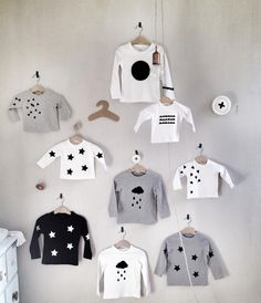 En las Nubes White, black and grey. Clean, modern and graphic style. Unique handmade clothes for the little ones. That is En las nubes. Pamel Gutiérrez Dosal, the founder and designer, has created a. Little Fashion, Baby Boy Fashion, Kids Fashion, Cute Babies, Baby Kids, Handmade Clothes, Trendy Baby, Kids Wear, Little Boys