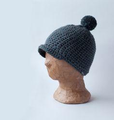 Virkattu villainen lippis Mantelinasta - Crocheted woollen cap by Mantelina