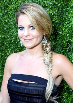 Candace Cameron Bure Spice up your ponytail with a braid a la Emma Stone, Blake Lively, Jessica Alba and more A-listers, who've worn the easy styles on the red carpet Shaved Side Hairstyles, French Braid Hairstyles, Candice Cameron, Candace Cameron Bure Hot, Fish Tail Side Braid, Dj Tanner, Braids With Shaved Sides, Two French Braids, Red Carpet Hair
