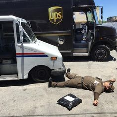 50 Times Delivery Drivers Surprised People So Much They Just Had To Share Classic Chevy Trucks, Classic Cars, Chevy Classic, Ups Delivery, Mail Delivery, Architectural Mailboxes, Going Postal, Losing A Dog, Trucks