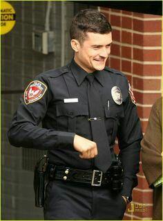 Orlando Bloom =Hot cop!