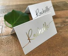 A set of simple, minimal and clean place cards Name Place Cards Wedding, Wedding Name Tags, Wedding Seating Cards, Wedding Table Settings, Wedding Cards, Wedding Bells, Wedding Placement Cards, Wedding Stationary, Wedding Invitations