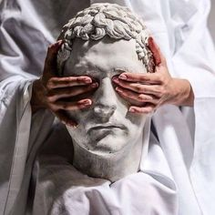 The Greek statue outside of Soni's apartment building, which she nicknamed Curly. She finds him to be creepy and covers up his eyes with paint. The Wicked The Divine, The Secret History, Greek Mythology, Oeuvre D'art, Storyboard, Art Inspo, Art Photography, Sculptures, Deviantart