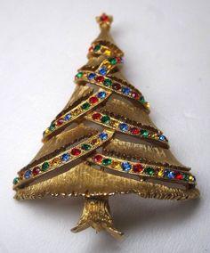 5b066c384 Vintage Signed J J Gold Tone Rhinestone Christmas Tree Pin Brooch #JJ