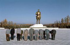 La Gran contradicción del Comunismo en corea del norte si no se necesita un dios inventante uno y has que todo el pueblo lo adore así el comunismo adormece a su propio pueblo para seguir gobernando