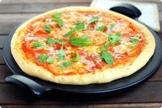 Pizza Stone masa crujiente con agua con gas
