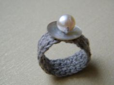 crochet natural linen ring with light pink pearl Crochet Accessories, Jewelry Accessories, Jewelry Design, Unique Jewelry, Things To Make With Yarn, Crochet Rings, Found Object Jewelry, Textiles, Yarn Ball