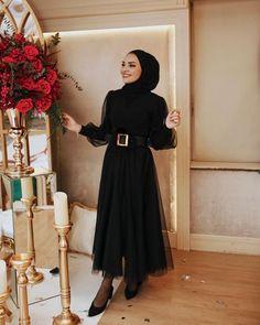 Modest Fashion Hijab, Modern Hijab Fashion, Hijab Fashion Inspiration, Islamic Fashion, Muslim Fashion, Fashion Dresses, Hijab Evening Dress, Hijab Dress Party, Hijab Fashionista