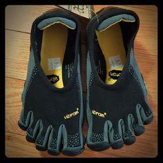 separation shoes 836a7 dccd6 Vibram Shoes   Wmns Vibram Fivefinger Jaya Shoe Sz 37 (6.5 Us)   Color   Black Gray   Size  7