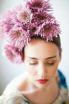 {Gorgeous Floral Headdress Comprised Of Pink Spider Mums}