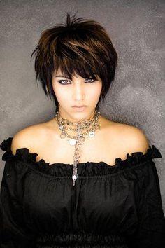 Photo-de-coiffure-courte-pour-femme.jpg (300×450)