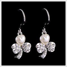 Czech Rhinestone Cocktail Style Crystal Earrings(JC-XG-ES0665)  http://www.goodgoodschina.com/crystal-earrings-jc-xg-es0665