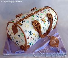 I SOO want this for my Bday! :-)  louis vuitton cake. Not this color or style but yeah u get the idea.