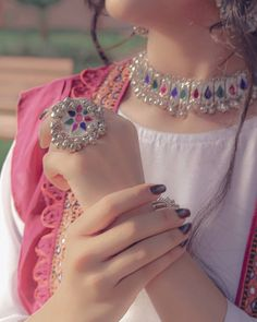 Cute Girl Poses, Cute Girl Photo, Beautiful Girl Photo, Baby Girl Dress Design, Fancy Dress Design, Dress Designs, Fancy Jewellery, Stylish Jewelry, Jewellery Designs