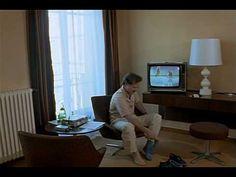 La felicidad no siempre es divertida, la angustia corroe el alma. Love Is Colder Than Death by Rainer Werner #Fassbinder. Switch Off by Werner #Herzog via Chambre 666 (1982) Wim Wenders @ Hotel Martinez