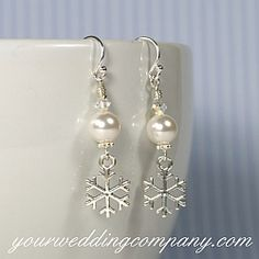 Wedding Decorations, Bridal Accessories & Wedding Favor Supplies for Modern Couples - Winter Snowball & Snowflake Earrings – These winter-themed bridal or bridesmaid earrings are - Winter Thema, Floating Pearl Necklace, Women Jewelry, Fashion Jewelry, Jewelry Drawing, Christmas Jewelry, Christmas Earrings, Swarovski Pearls, Bridesmaid Earrings