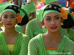 Girls - Bali - Indonesia