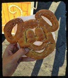 12 Tips to Eat Vegan at Disneyland and Disney World  Read more: http://www.peta2.com/lifestyle/vegan-vegetarian-guide-disneyland-disney-world/#ixzz36A5EFBTx
