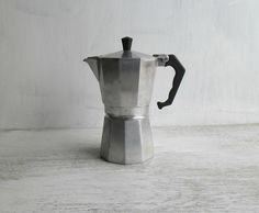 Vintage moka coffee pot 6 cups by TheSoulofheRose on Etsy, €30.00