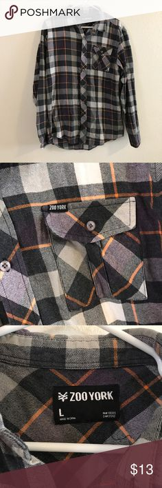 """Men's Zoo York Button Down Shirt (Large) Great condition. Brand: Zoo York. Size: Large. Button down shirt. No pets. Chest: 19"""". Front length: 27.5"""". Back length:  28.5"""". Arm length: 26.5"""". Zoo York Shirts Casual Button Down Shirts"""