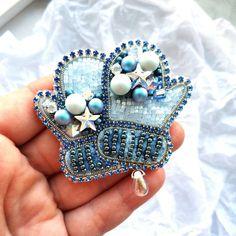 Free shipping / Christmas brooch / Mitten brooch / Christmas jewelry / Christmas mitten / Swarovski