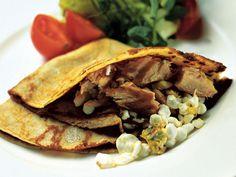 Raejuusto-savukalatäyte letuille Tacos, Ethnic Recipes, Food, Essen, Meals, Yemek, Eten