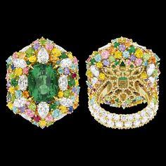 "Cher Dior - ""Fascinante Emeraude"" Ring in 18K yellow gold, diamonds, emeralds, yellow sapphires, pink sapphires, Paraiba tourmalines, demantoid garnets, spessartite garnets, purple sapphires, rubies and sapphires."