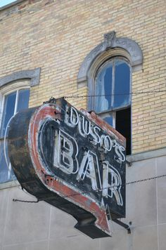 Duso's Bar is also in Bay City, Michigan. I wish I'd been there at night to see it lit up. The sign is rough but the neon looks good. A perfect sign! Love Neon Sign, Neon Signs, Bay City Michigan, Old Signs, Tear Down, Window Displays, Old Buildings, Sign Language, Back In The Day