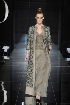Valentino Spring 2009 Couture - Runway Photos - Fashion Week - Runway, Fashion Shows and Collections - Vogue Abaya Fashion, Moda Fashion, Fashion Week, Indian Fashion, Fashion Show, Fashion Dresses, Womens Fashion, Fashion Design, Vogue Fashion