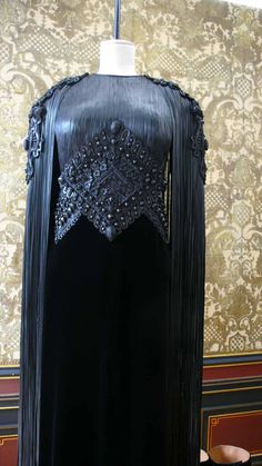 From Diane Pernet blog, Givenchy couture details